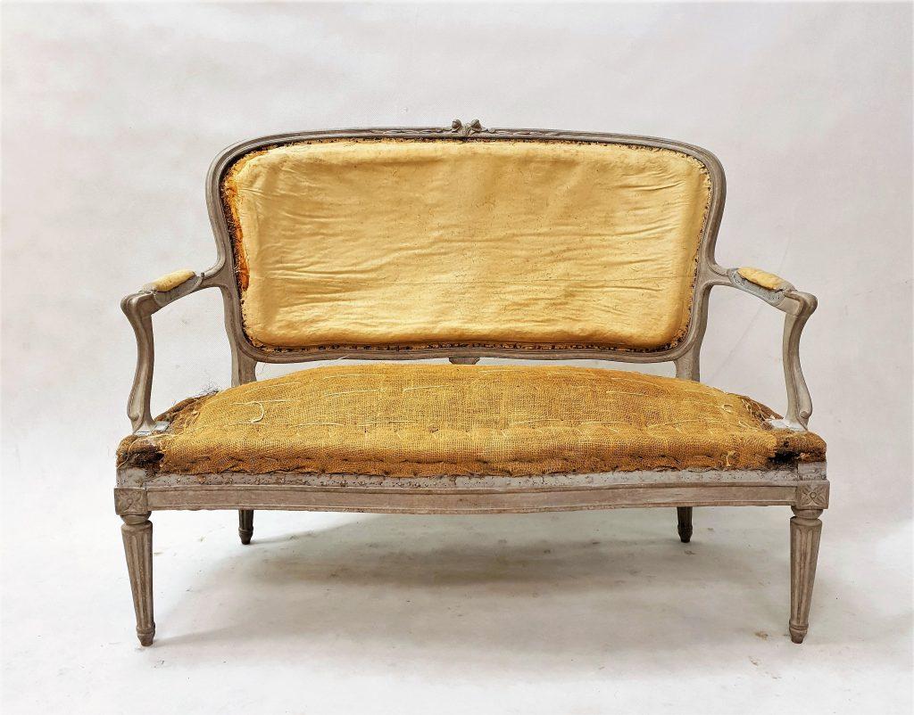 Gustavian Style Sofa M-03319