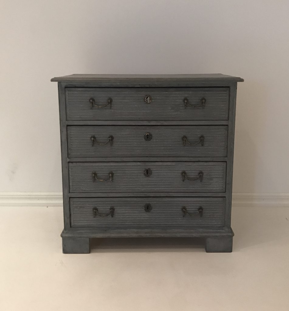 Gustavian Style Chest of Drawers M-50419