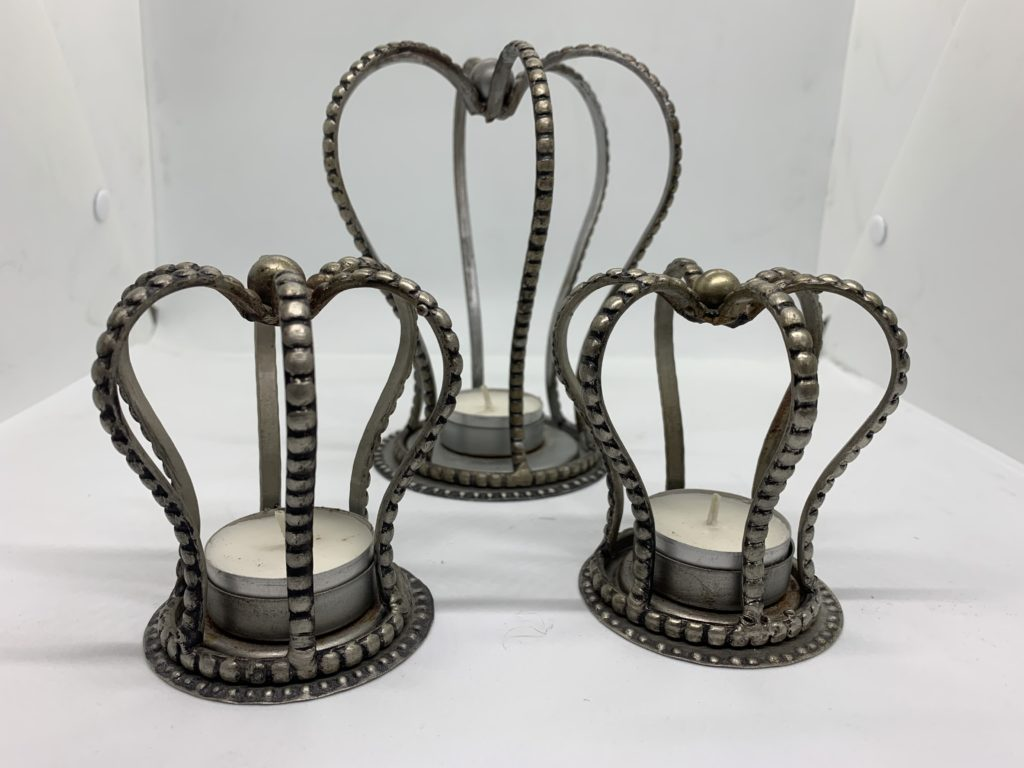 Crown-shaped candlesticks A-668-669