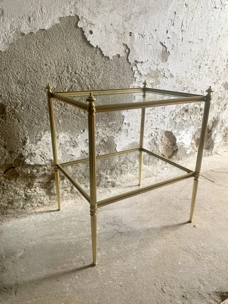 Szklany stolik, A-790