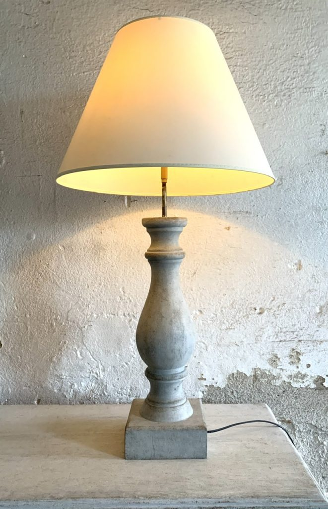 Drewniana lampa stołowa A-977